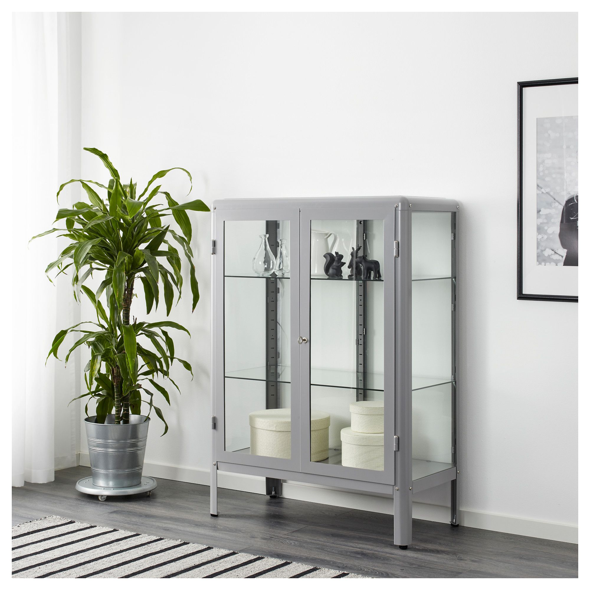 Curio Cabinet eback Display Cases in Modern Rooms