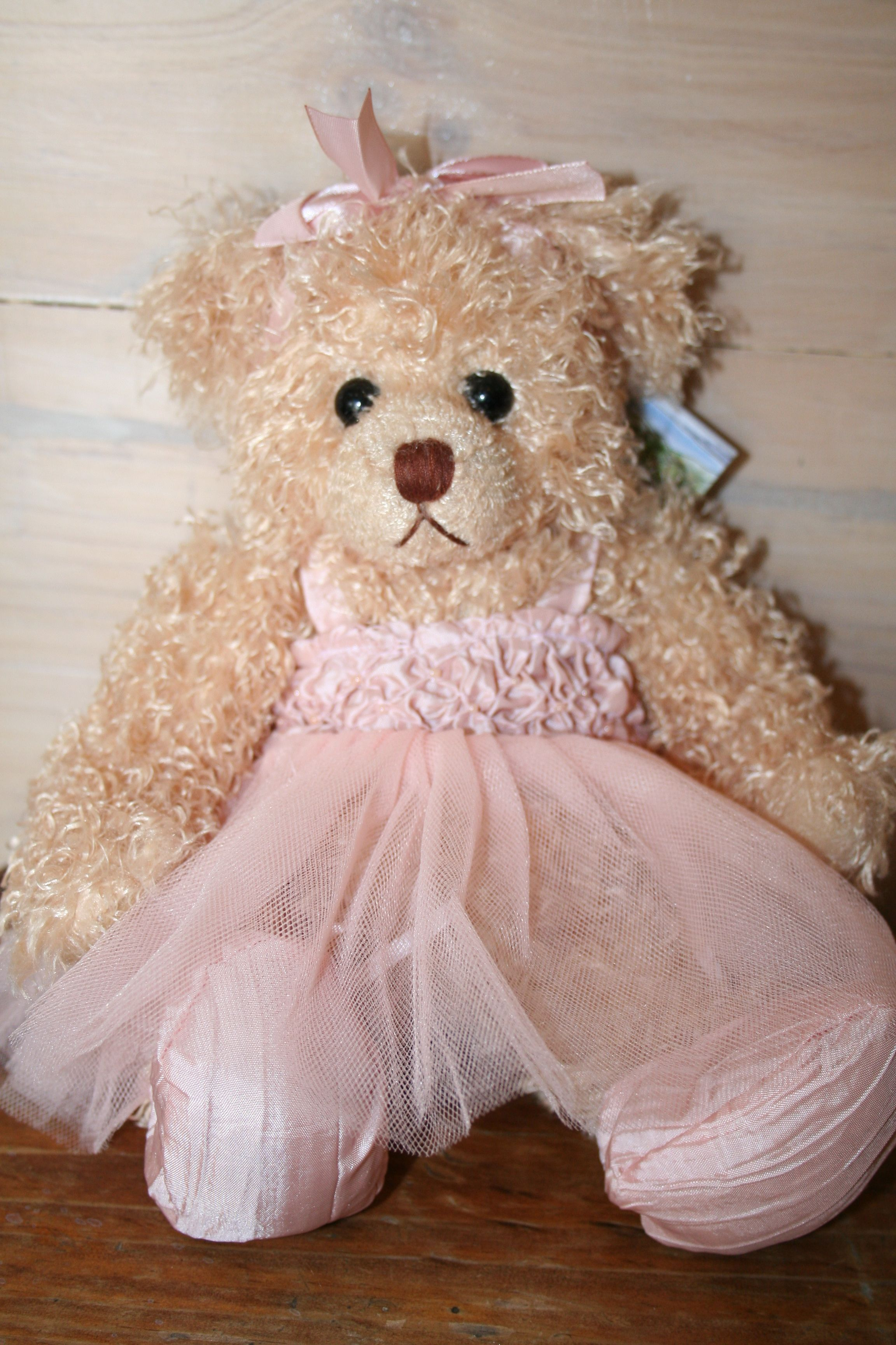 Juliana Is A Sweet Little Ballerina She Is From The Echuca Collection Of Settler Bears Price Aud 42 75 Ship Worldwide Email Toodled Bear Teddy Bear Bear Hug
