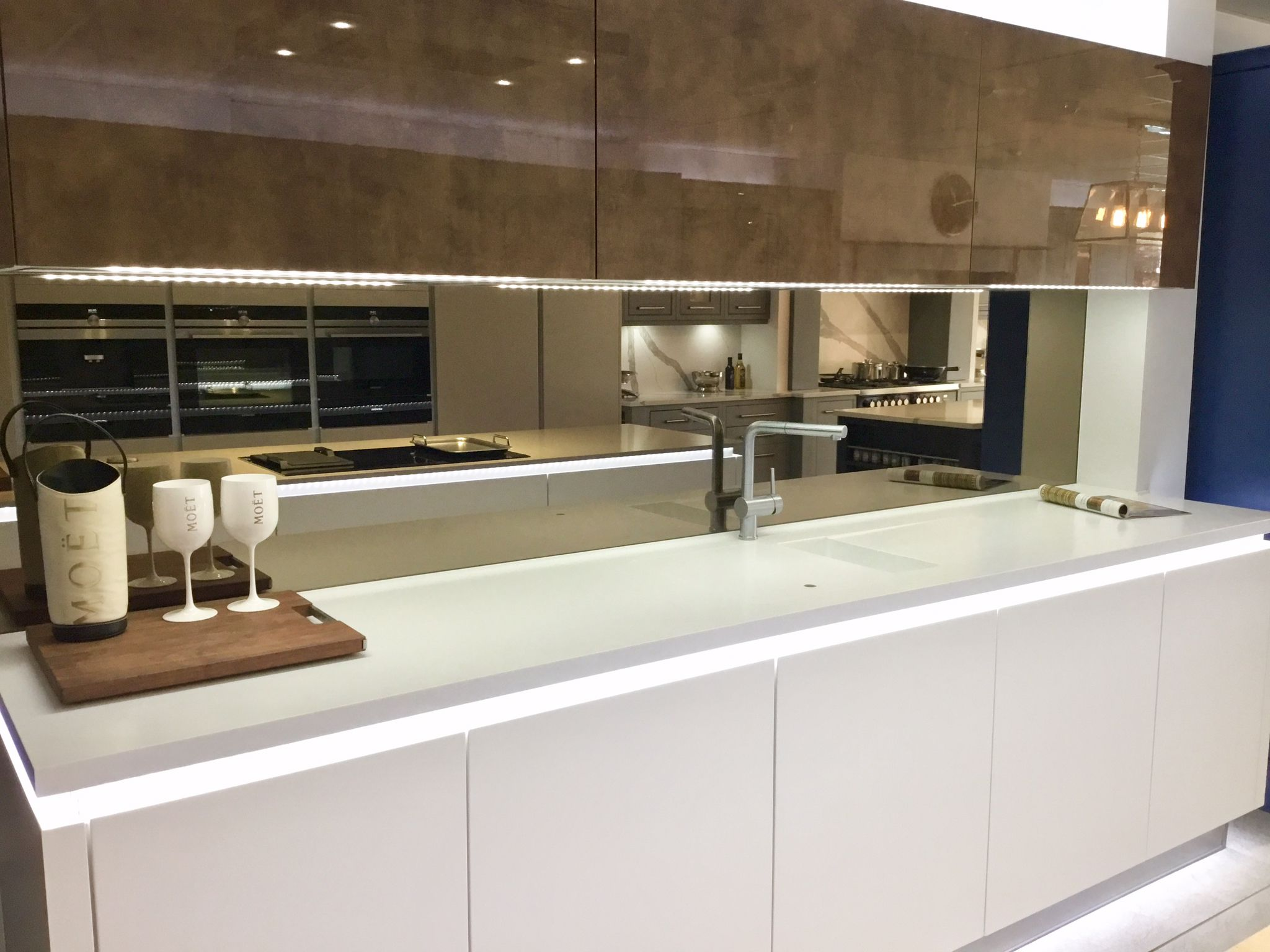 Cucina Colore Futura range Handleless kitchen, Kitchen