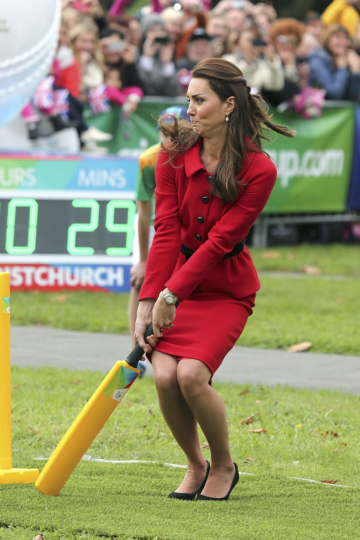 Watch Kate Middleton Sneak A Slapshot Past Swedish Goalie Kate Middleton Prince William And Kate Duchess Kate