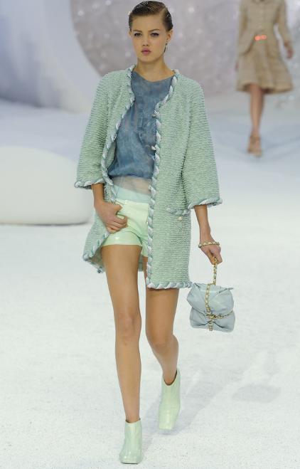 Chanel. Paris Fashion Week. #fashion  #spring fashion