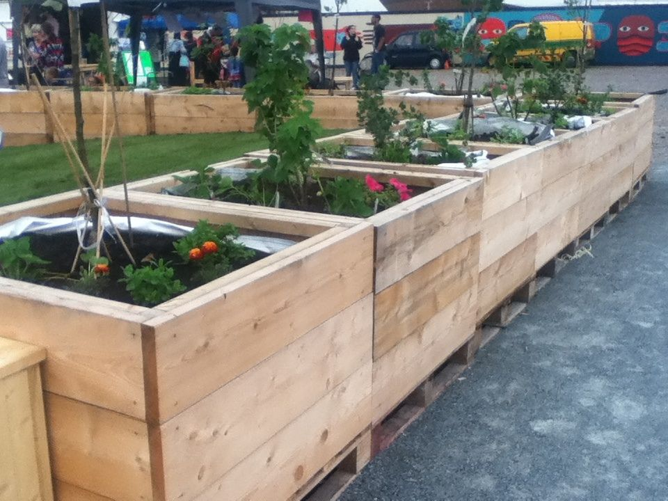 Raised beds from scaffolding boards, lined with builders ... on raised gardening, gardening bags, vertical garden bags,
