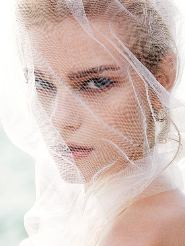 veil of tulle | Bridal | Pinterest | Vestidos de novia, Novios y De ...