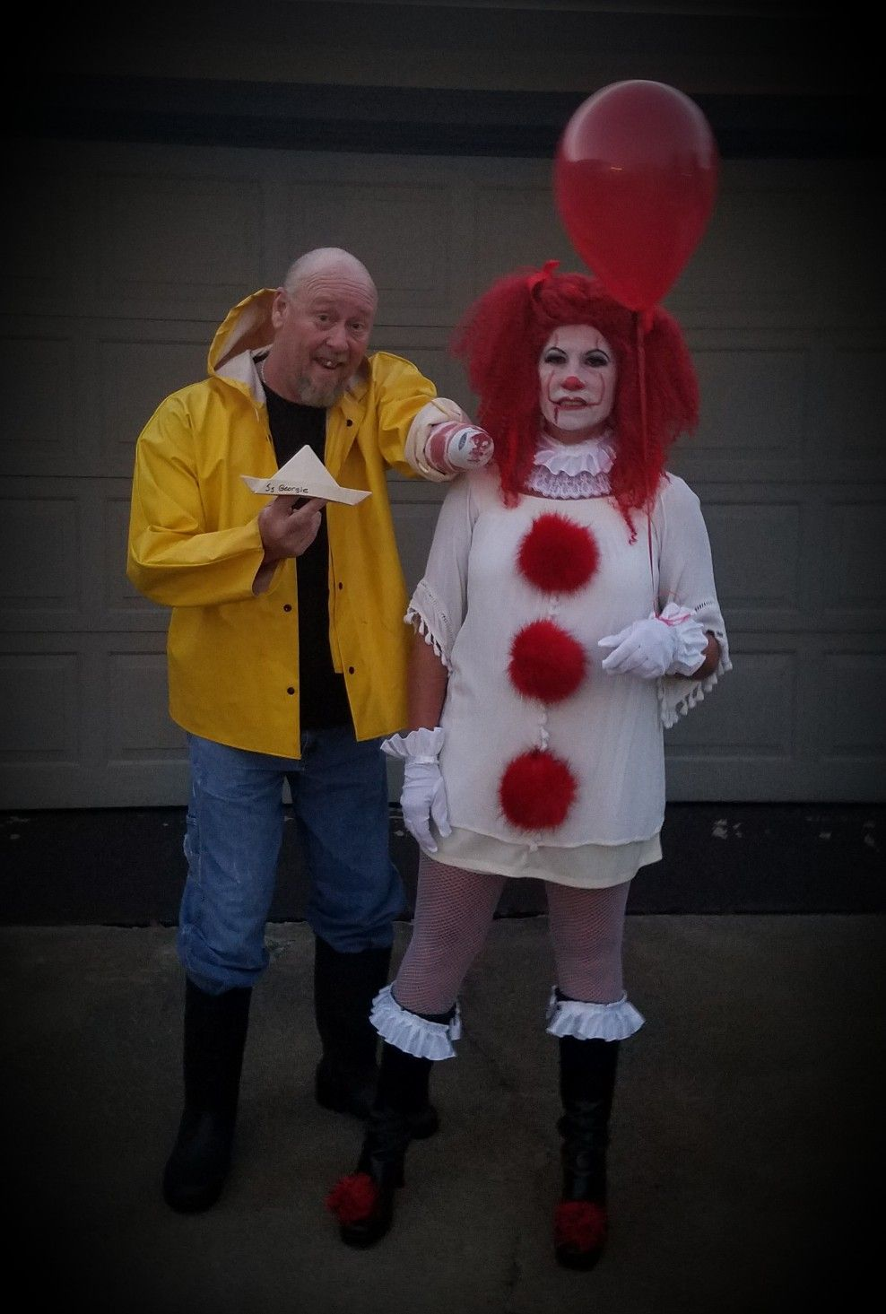 Pennywise and Halloween couples costume halloween