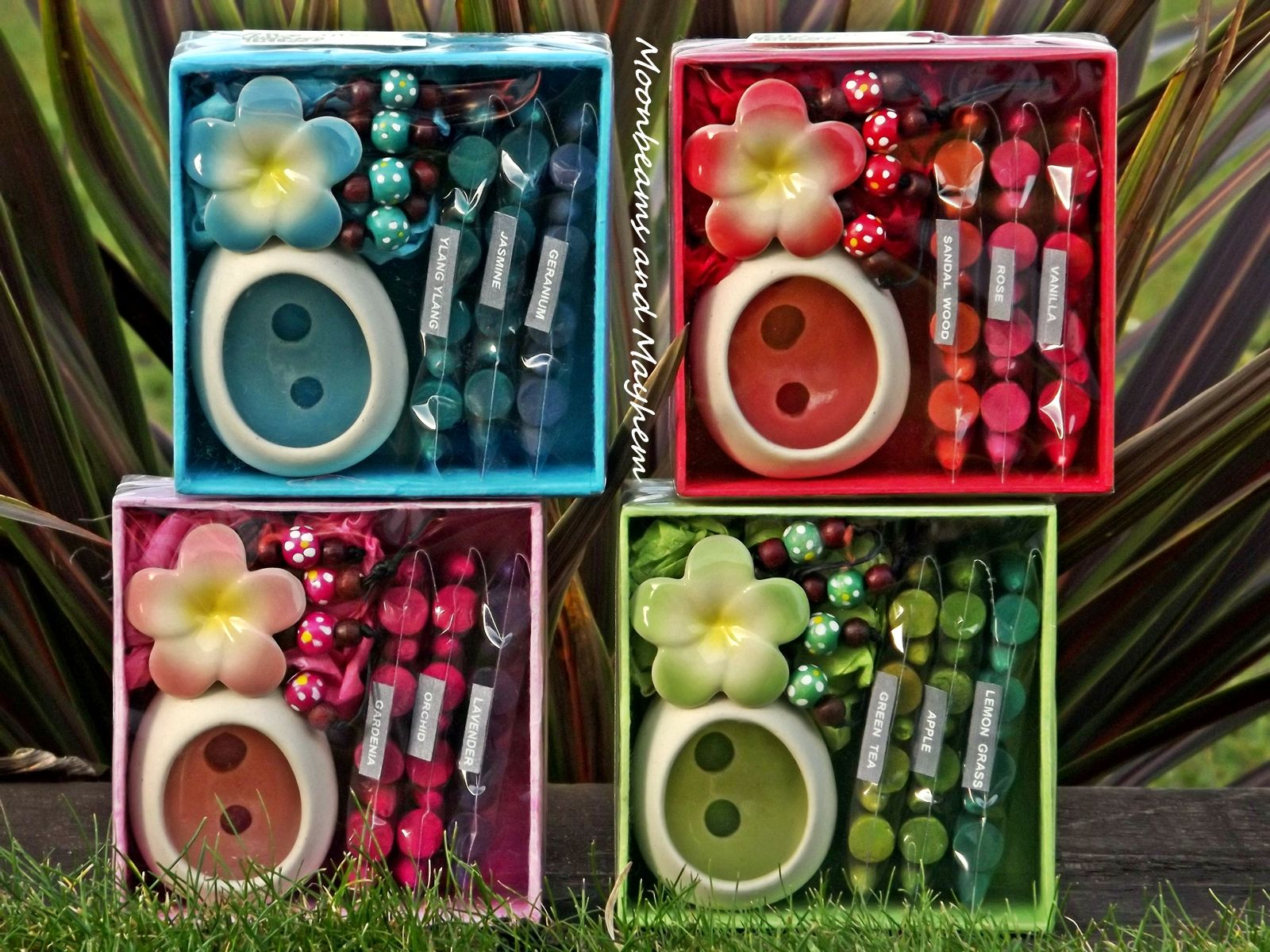 ♥ ~ Delicious Hanging Flower Insence Burners Available from Moonbeams and Mayhems Eclectic Store ~ £10 ~ http://stores.ebay.co.uk/Moonbeams-Bazaar?_rdc=1 ~ Join Moonbeams Colourful World here : https://www.facebook.com/MoonbeamsandMayhem?ref=hl