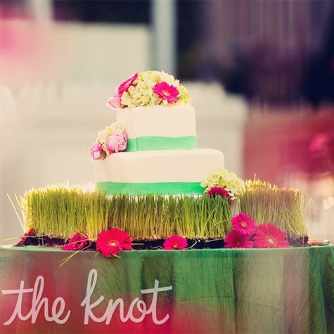 Celebrate #spring at your wedding by using its elements like fresh grass and bright flowers. #BlackBearCrossings