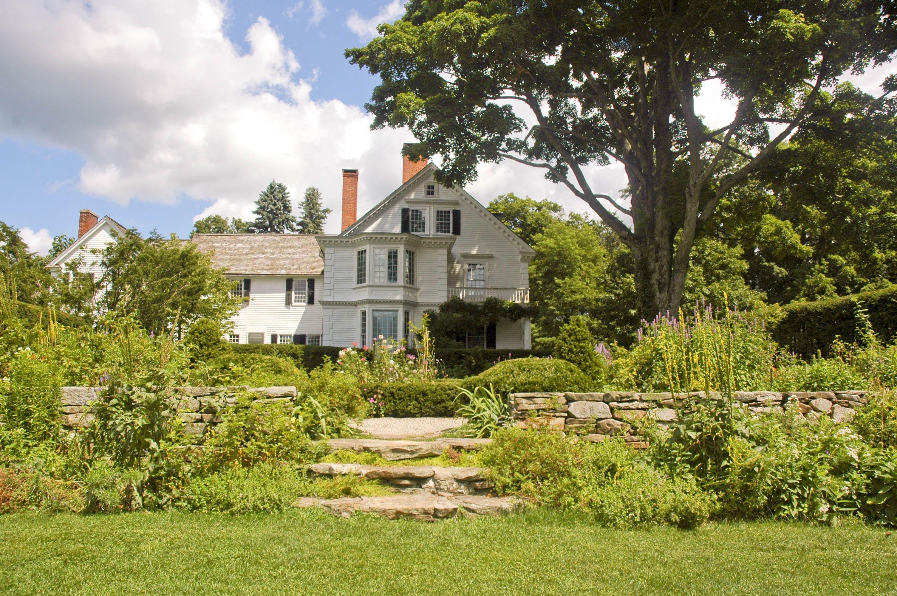 2ed4f715f7bc69983a95f9fd1a12b474 - Historic House And Gardens Near Me