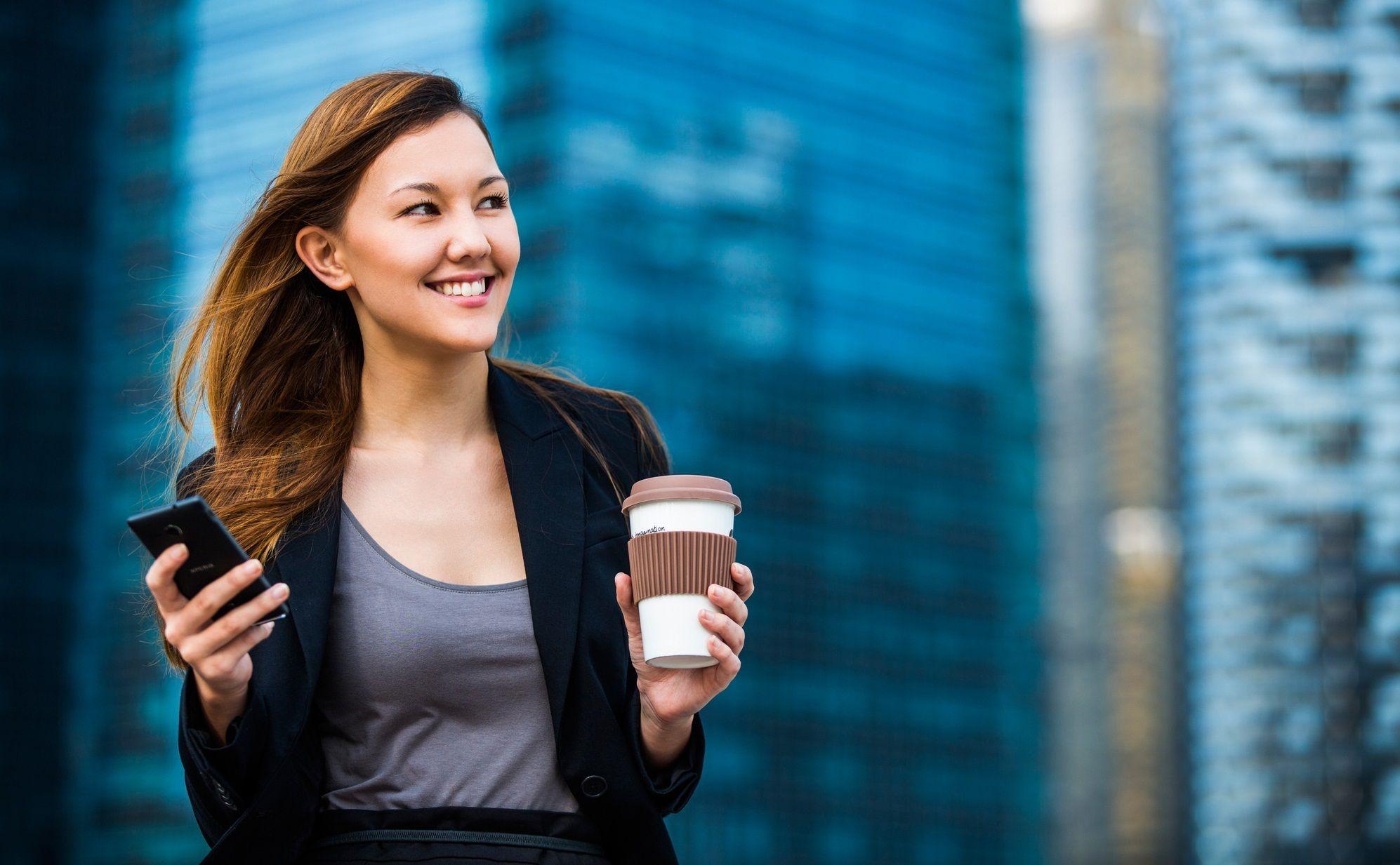 女性管理職が一向に増えないのなぜなのか……。いくつかのデータを紐解いてみると、実はすぐに合点がいくのです。