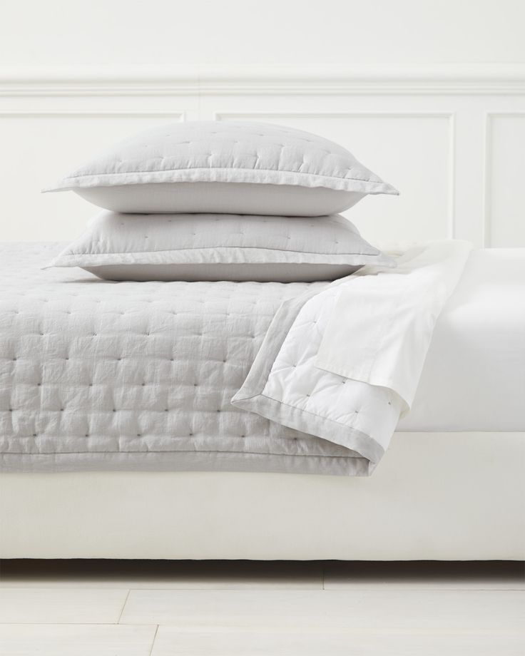 9301633765 Our lightweight layer features quilted linen that reverses to airy cotton  voile for a great material mix.