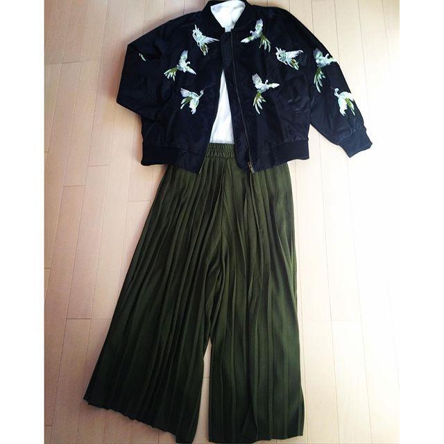 m_michael_lこれからちょっとお出かけ。刺繍のMA-1とスカーチョ。 #gigot#melange#MA-1#スカーチョ#刺繍#ガウチョ#プリーツ