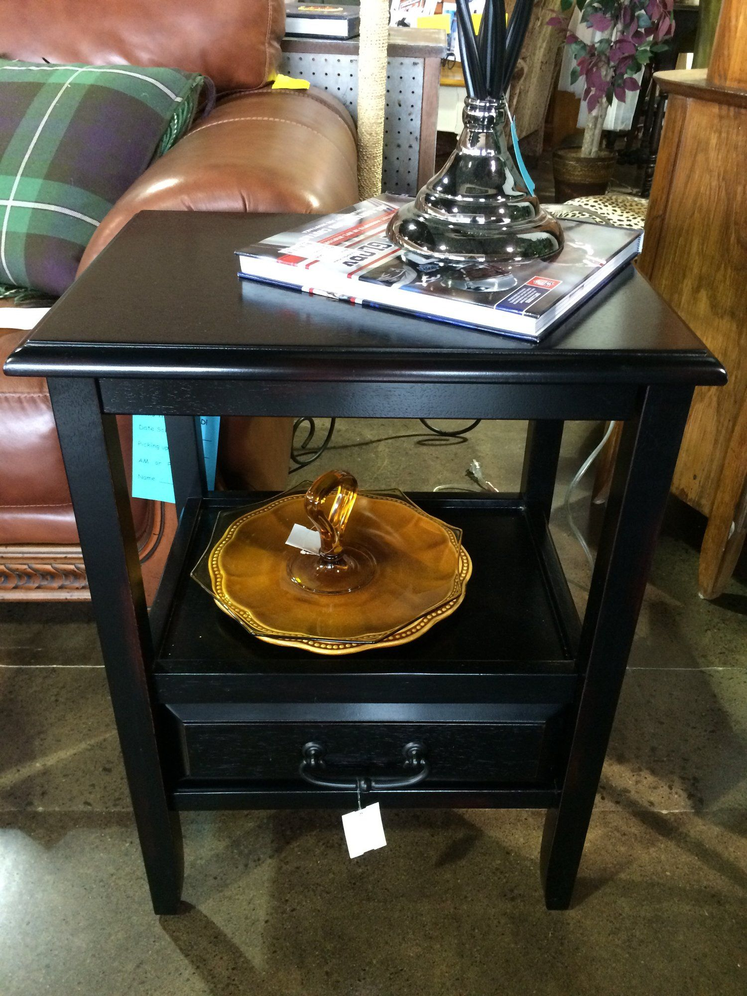 Incredible This Black End Table Is Perfect For Either The Side Of A Dailytribune Chair Design For Home Dailytribuneorg
