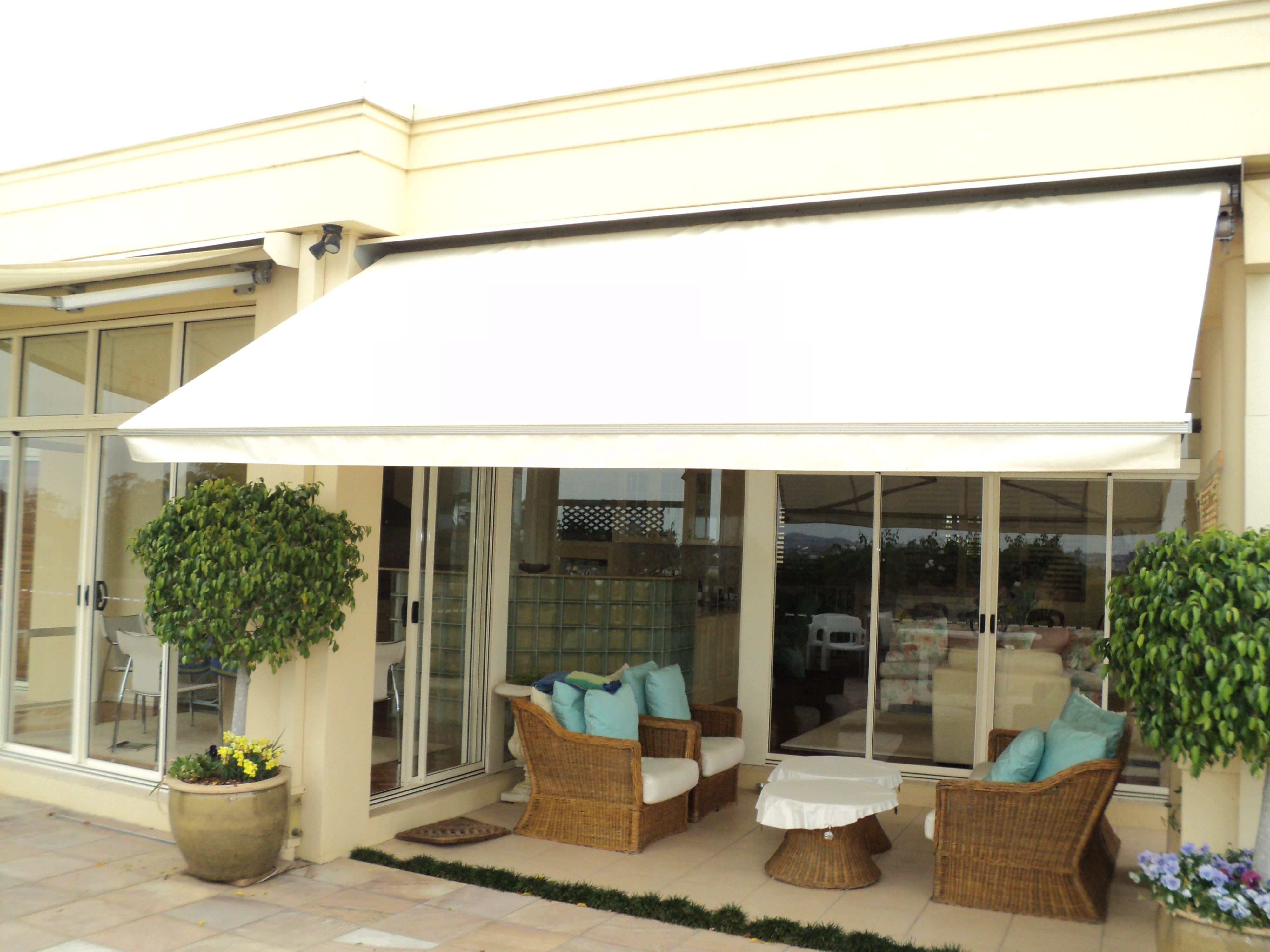 Roll Out Awning Outdoor Awnings Decks Patios Deck