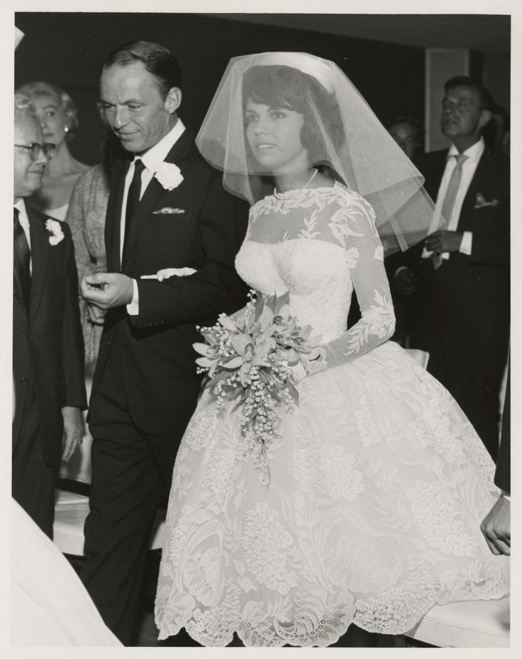 Frank Sinatra And Daughter Nancy On Her 1960 Wedding Day At The