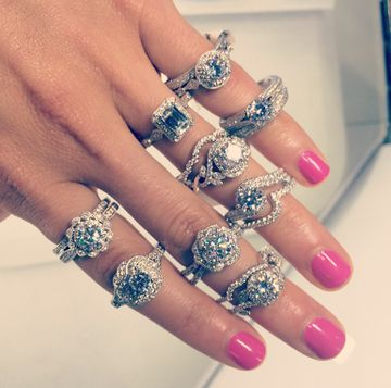 Adore these vintage style engagement and wedding rings