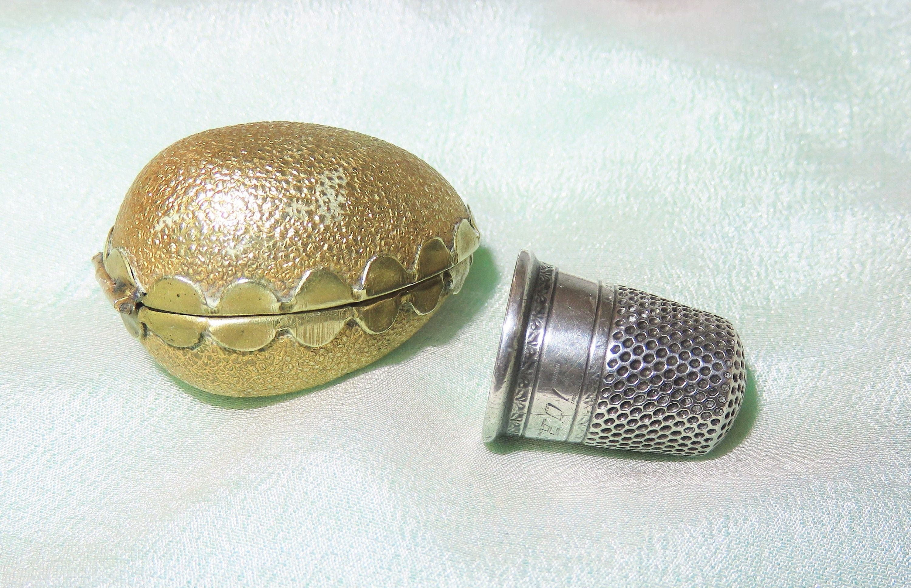 NEW OVAL STERLING SILVER THIMBLE HOLDER//PILL  CASE