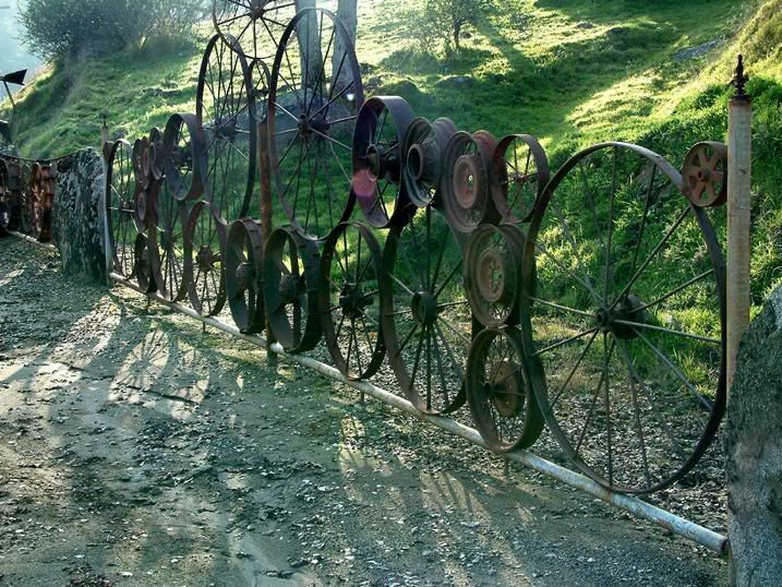 fence from wheels and rims.  Whole site is incredible!