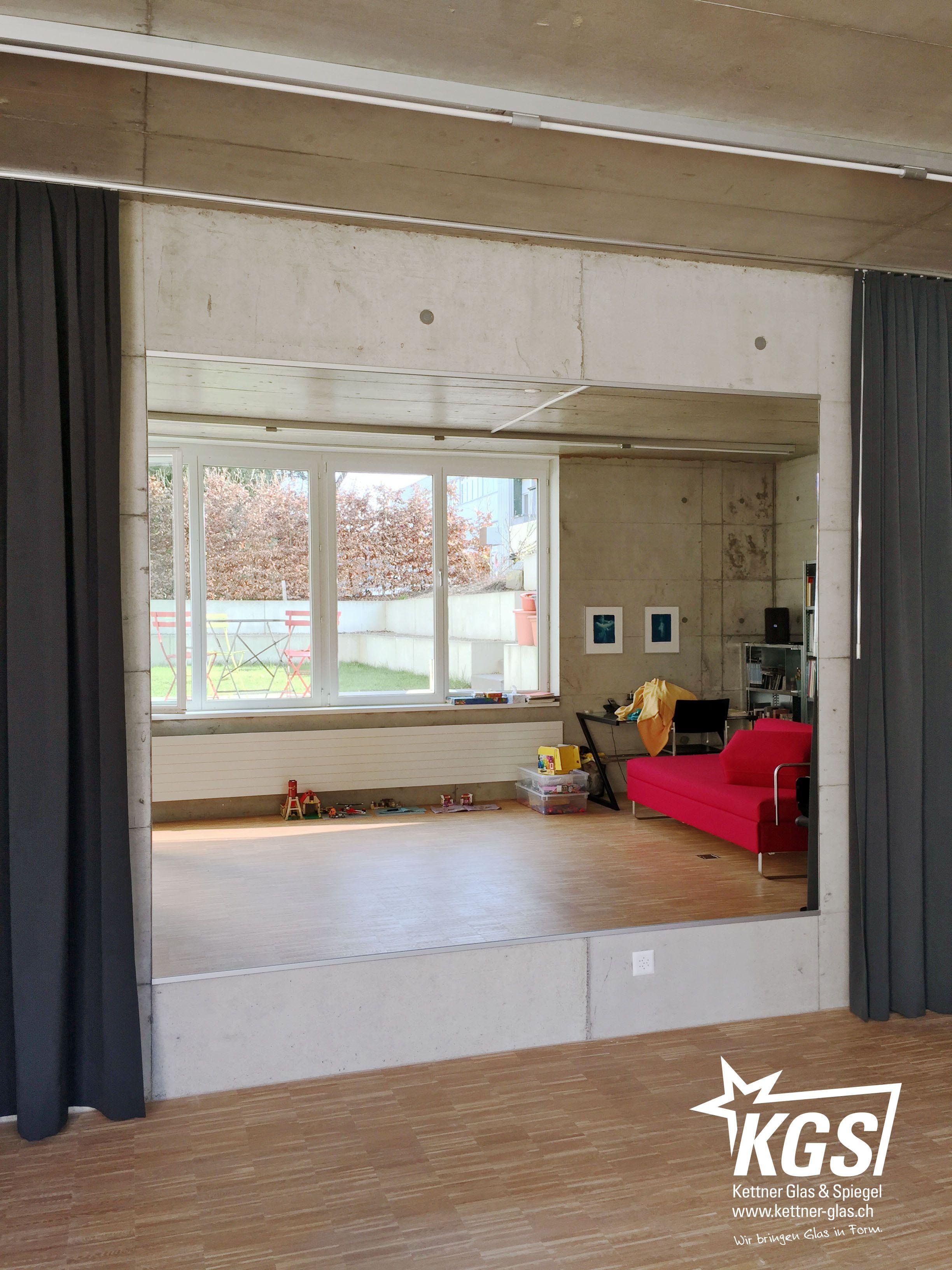 5m2 Spiegelwand Mit Splitterschutzfolie Auf Der