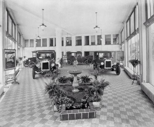 Wonderful Emrick Chevrolet, Richmond, Virginia, 1925.