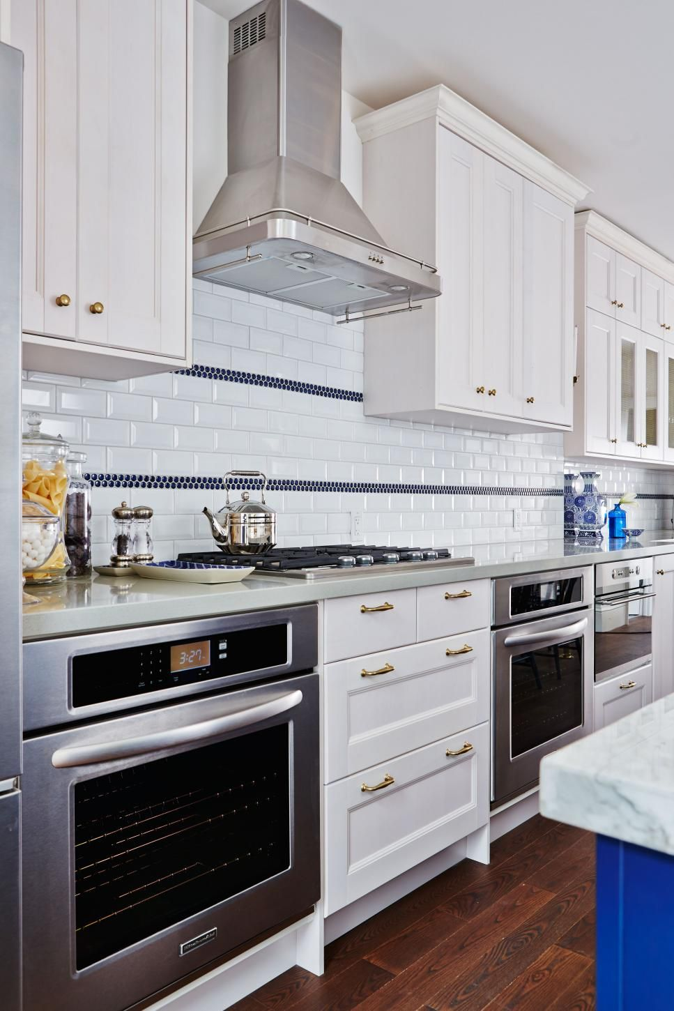 See How Sarah Richardson Designer And Host Of Hgtv S Sarah Sees Potential Transforms These Disaster Kitchens Into Gourme Kitchen Oven Kitchen Kitchen Remodel