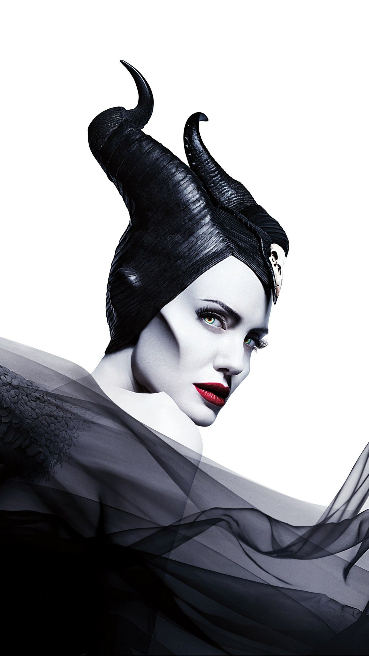 Maleficent Mistress Of Evil Review A Boring Yet Heartwarming Sequel Maleficent Maleficent2 Malefi Maleficent Disney Maleficent Angelina Jolie Maleficent