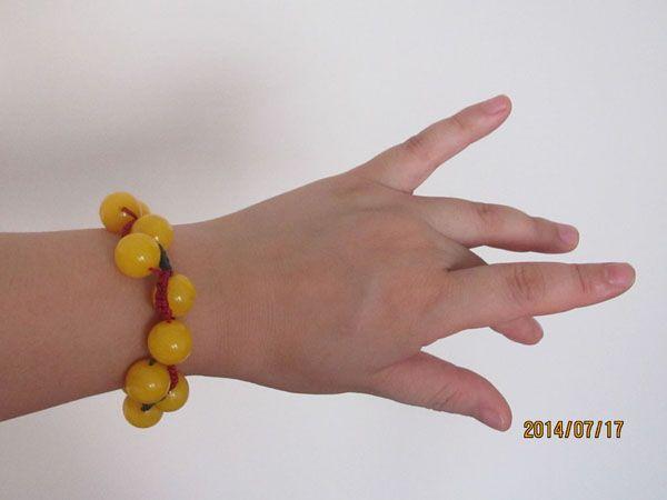 hand chain 戴上手链的效果