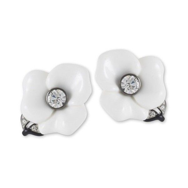 Kenneth Jay Lane White Flower Clip Earring ($115) ❤ liked on Polyvore featuring jewelry, earrings, white, costume jewelry, long earrings, clip earrings, white costume jewelry and flower clip on earrings
