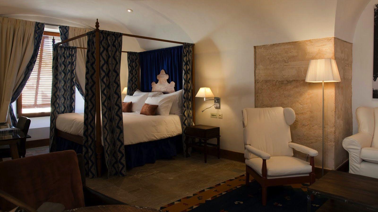 Luxury Hotel Mallorca - Hotel Cap Rocat - Official Website - Suite Cap Rocat