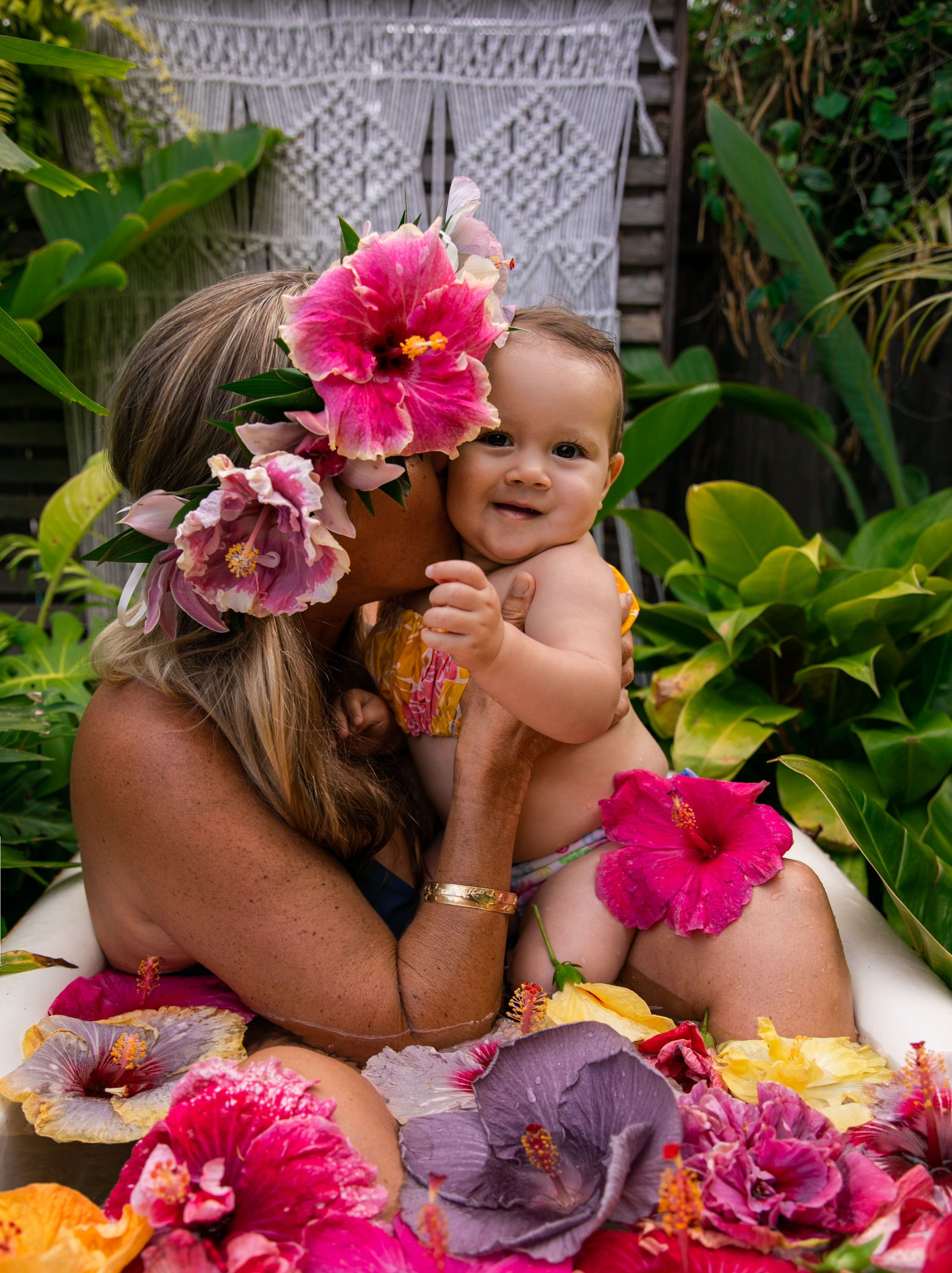 floral tub hibiscus tub flowers tropical flowers floral bath tropical bath hibiscus flowers mommy and me mommy and me milk bath mommy and me floral tub Storm Pierre Photography Hibiscus Love Tub #fallmilkbathbaby