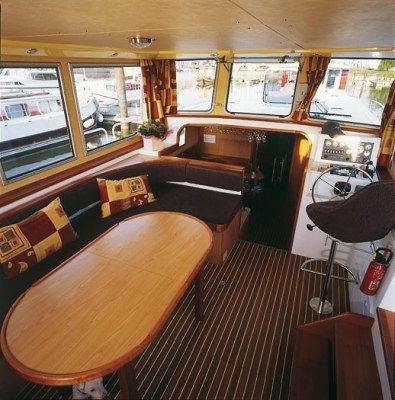 int rieur p niche 8 10 personnes 14m de long max autoris sans permis bateau moins de 1. Black Bedroom Furniture Sets. Home Design Ideas