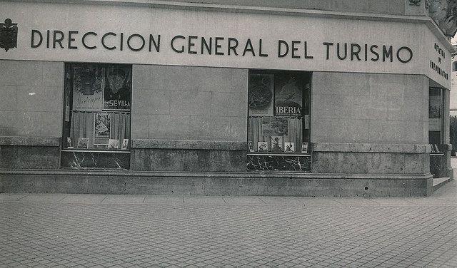 Oficina De Informacion De La Direccion General De Turismo Fachada