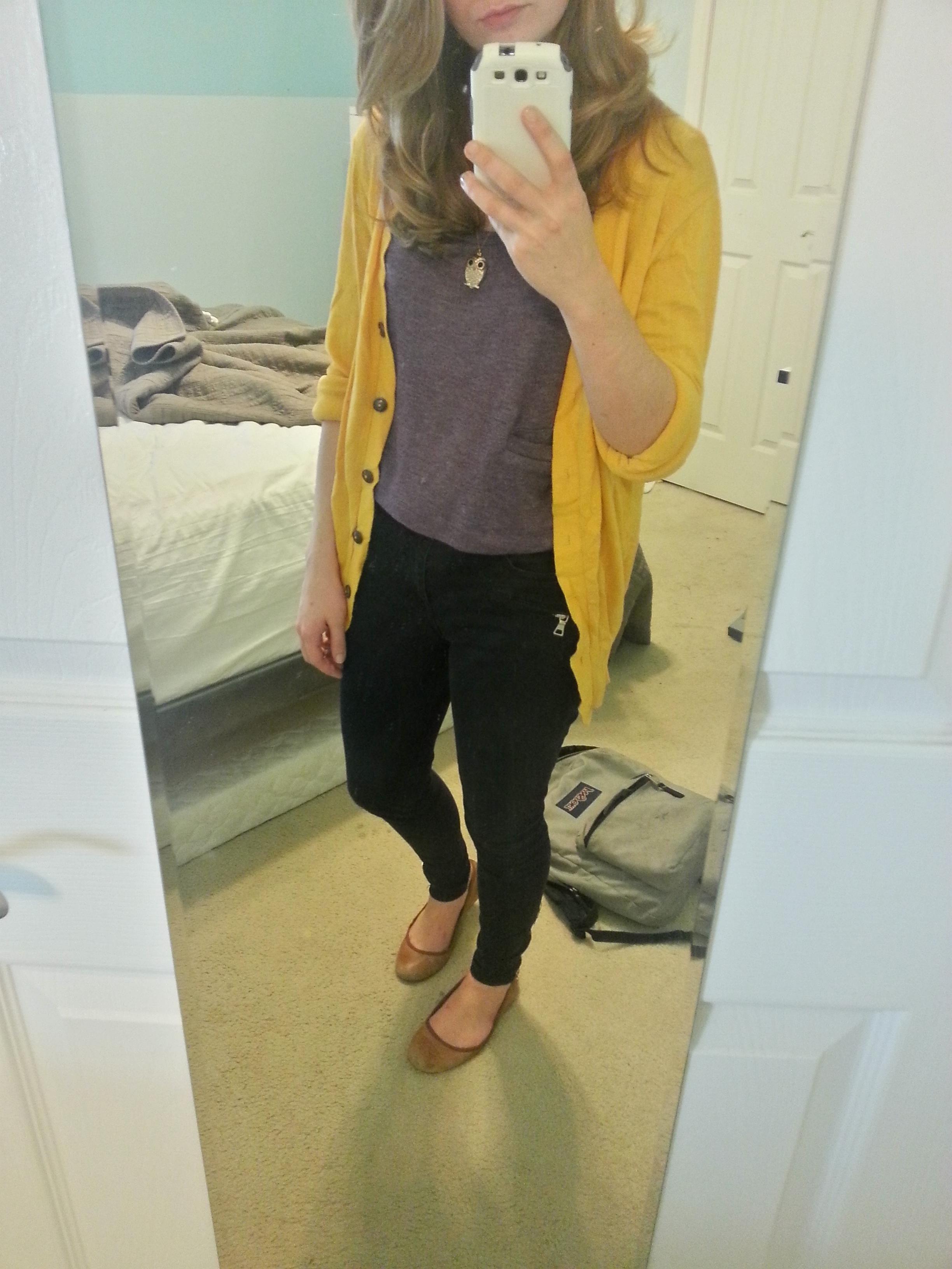 yellow cardigan over medium gray shirt | Outfits | Pinterest ...