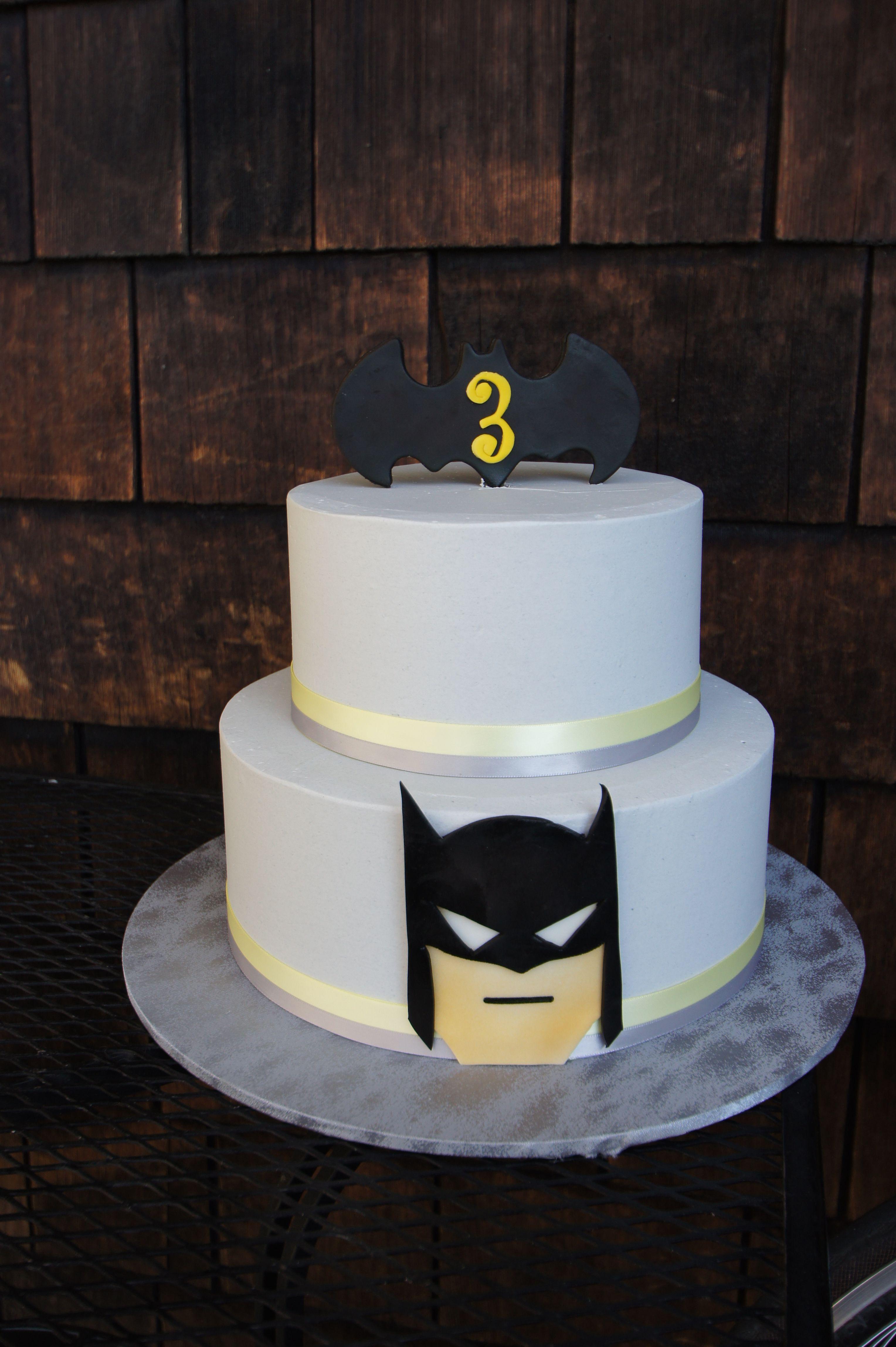 Simple Batman themed birthday cake Childrens Cakes Pinterest