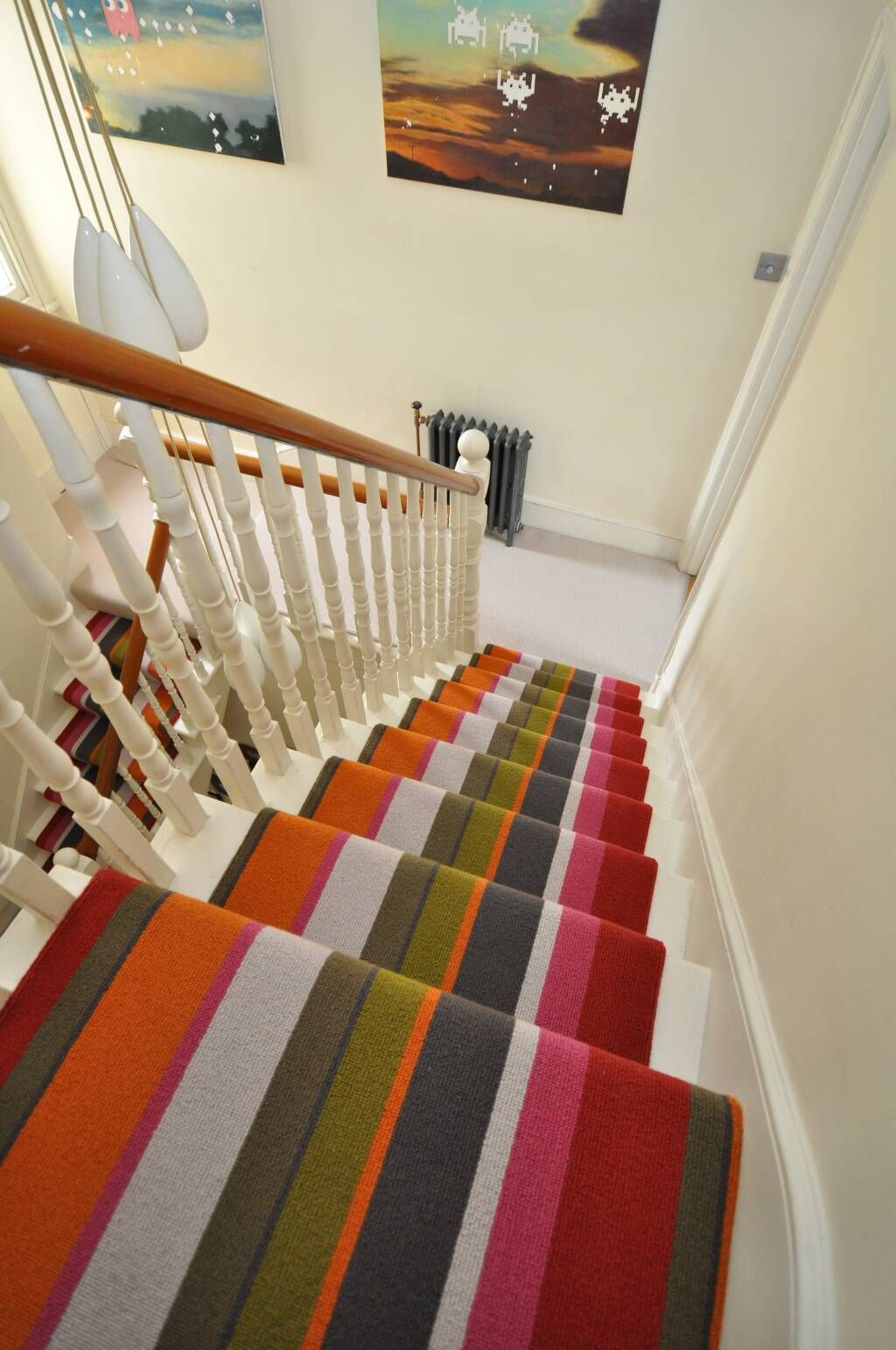 Best Use Bold Colours In A Striped Carpet To Accent Household 640 x 480