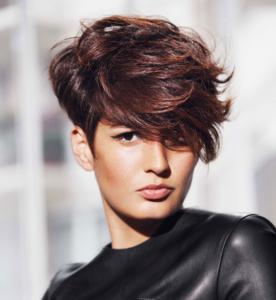 15 Astuces de Coiffure pour Paraître plus Jeune coiffure