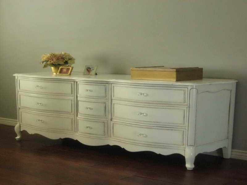 Distressed Country Furniture  http://coastersfurniture.org/shabby-chic-furniture/distressed-furniture/
