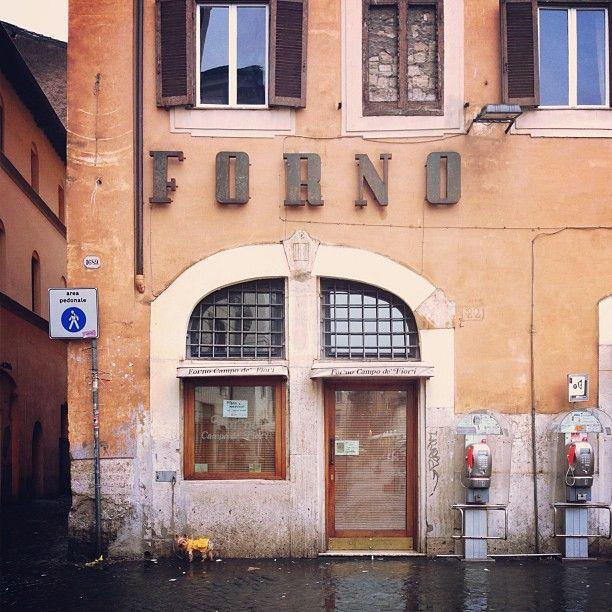 Corner bakery in Campo de' Fiori The best sandwiches here ...