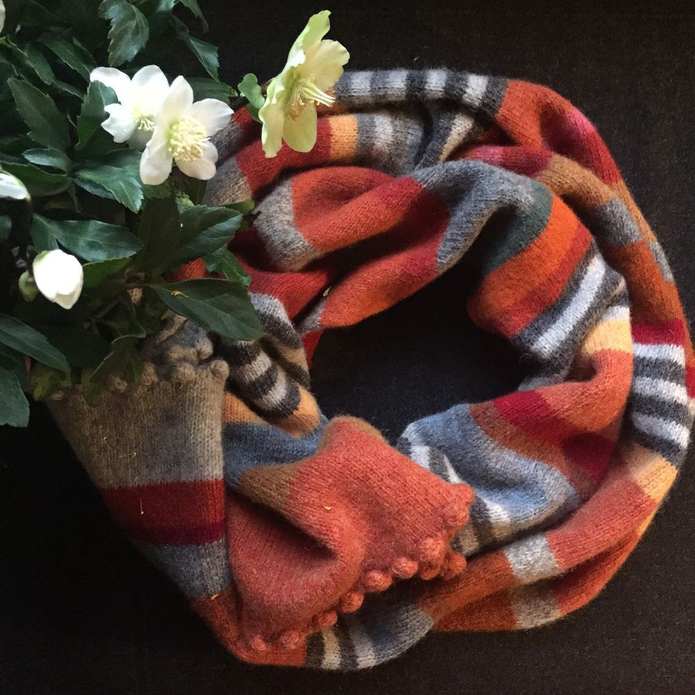 orange halstørklæde strikket i supersoft. længde 230 cm via RIMMEN. Click on the image to see more!