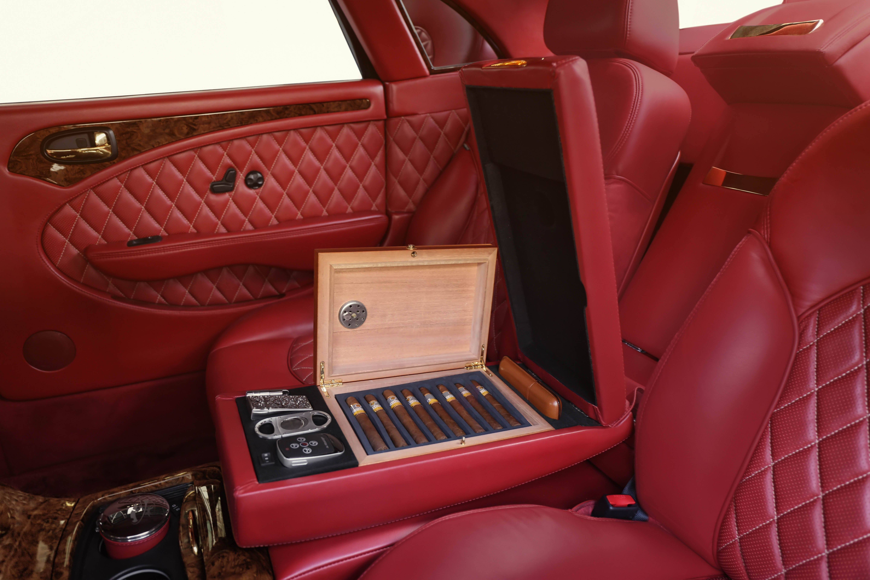 Car cigar humidor