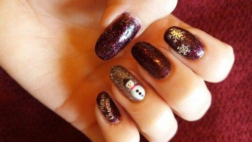 Christmas nails . #snowman #nails #glitter #shellac Www.facebook/bebeautiful.rio