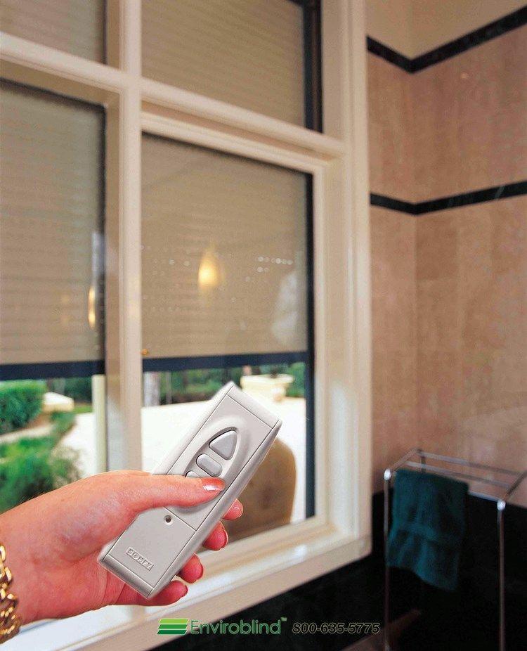 Zwiększ bezpieczeństwo z roletami zewnętrznymi http://unisystemy.com/rolety-zewnetrzne-aluminiowe/rolety-antywlamaniowe-warszawa.html
