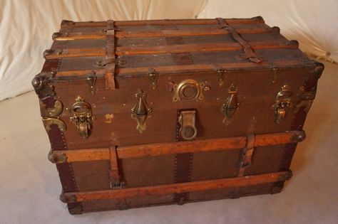 How to Paint a Vintage Trunk images
