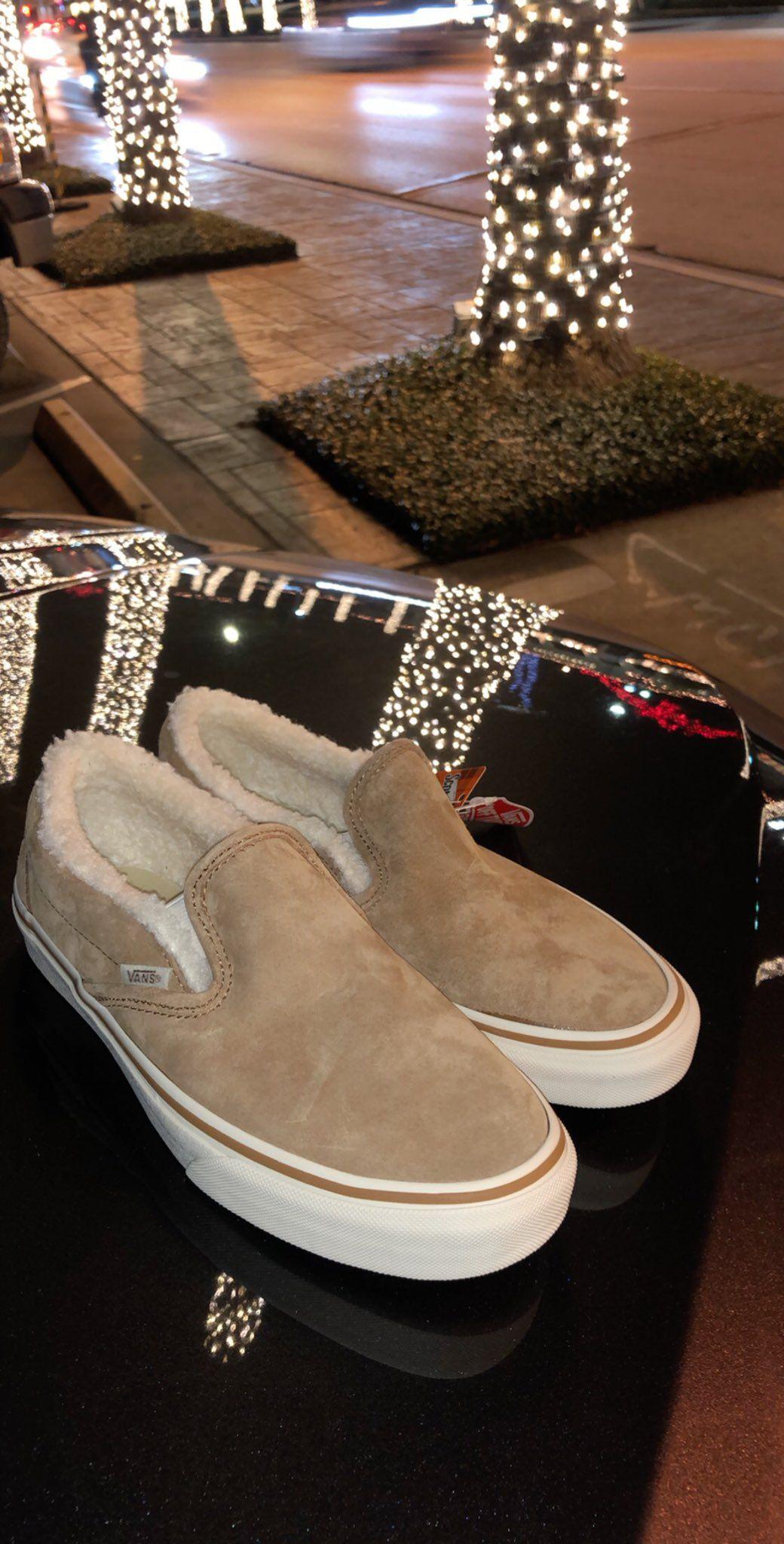 ⚡︎ ᴴᴮᴷᴹᴵ$ᴴᴬ   Shoes, Comfy shoes, Cute