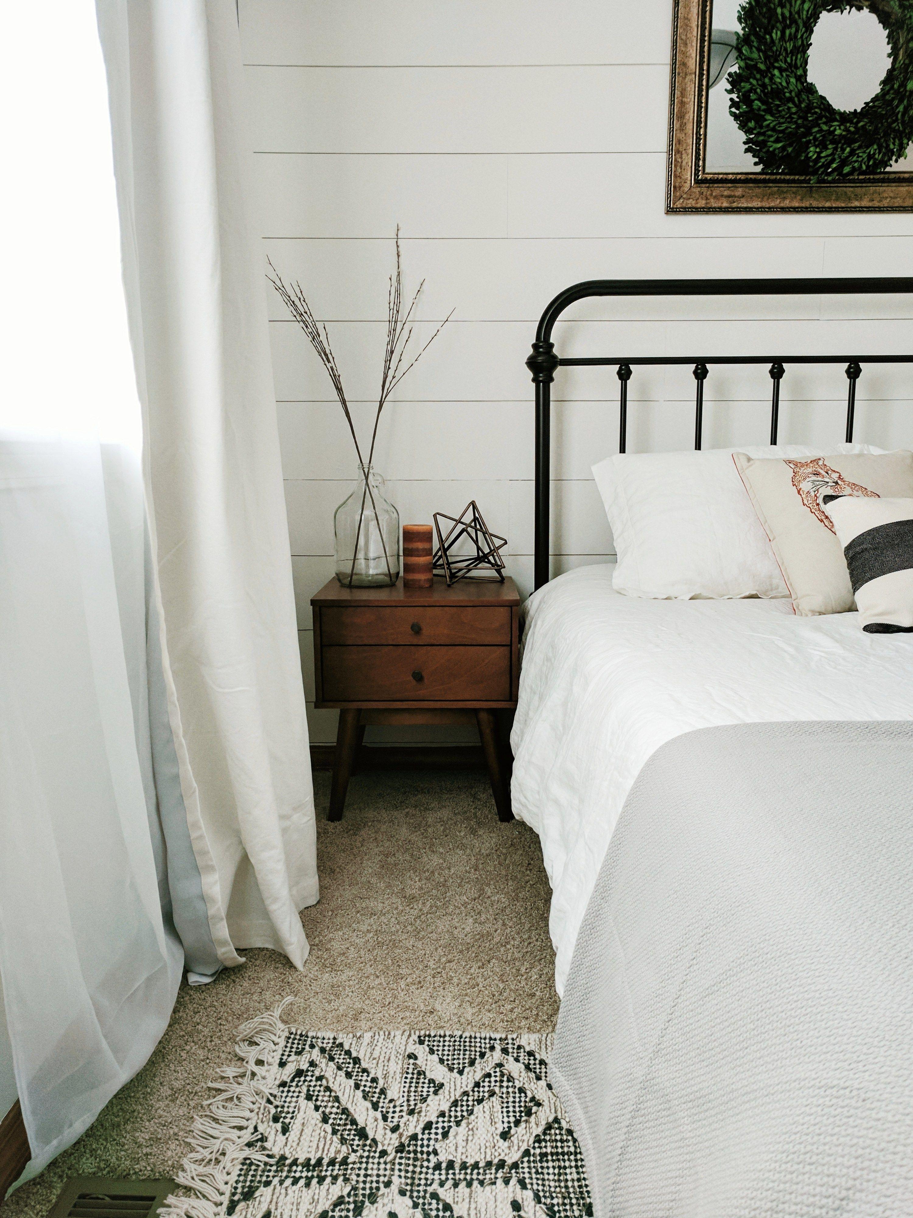 7 Farmhouse Bedroom Decor Ideas Farmhouse bedroom decor