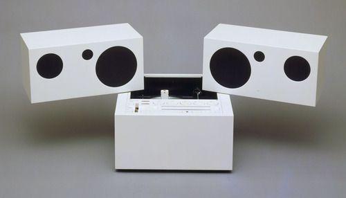 Modelo · Totem Stereo System with Detachable Speakers Model RR 130 · diseñado por Mario Bellini · Italian · born 1935