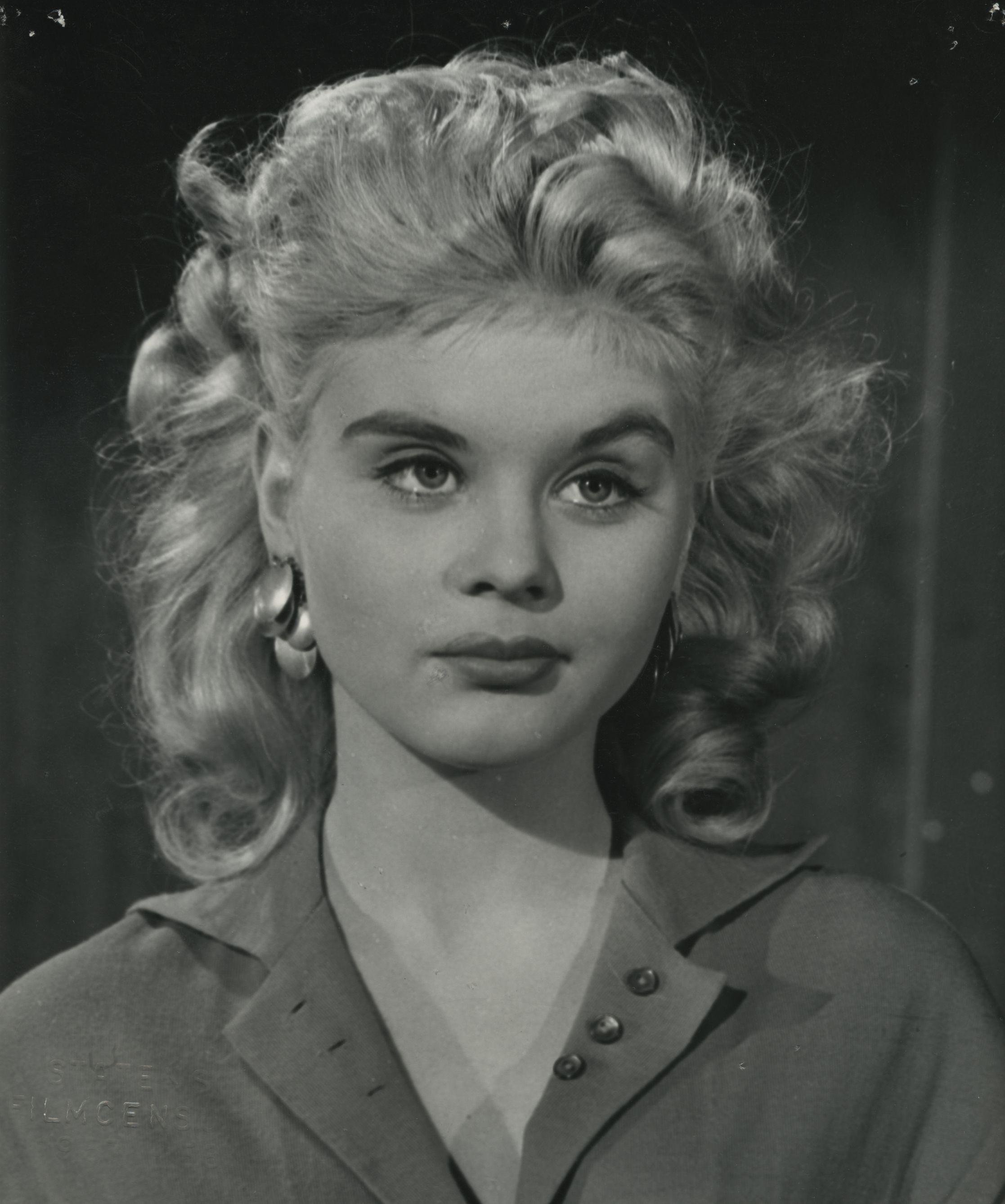 Eva Gabor,Lorena Gale Porno video Jan Waters (born 1937),Mila del Sol (b. 1923)