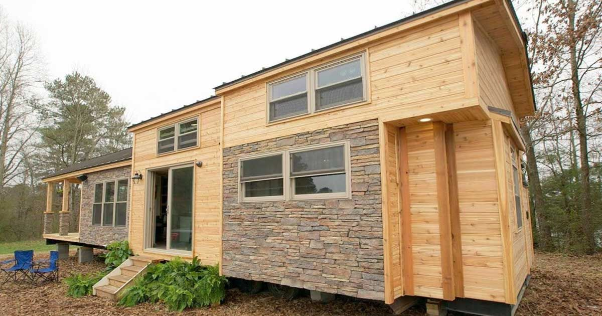 Luxury Tiny Cabin Has It All Take A Peek Inside Tiny House Nation Small House Tiny House Movement