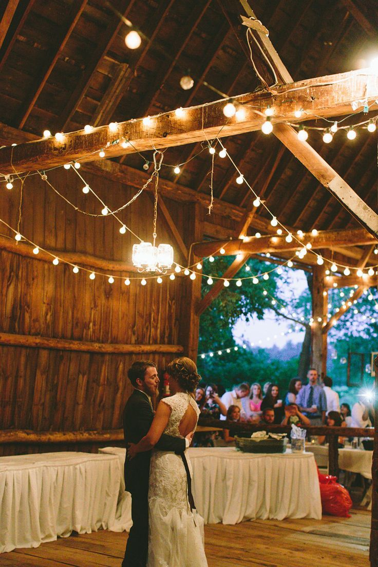 Willow Pond Weyauwega WI Rustic Barn Wedding Central Wisconsin Venues James Stokes Photography Husband And Wife Photographers