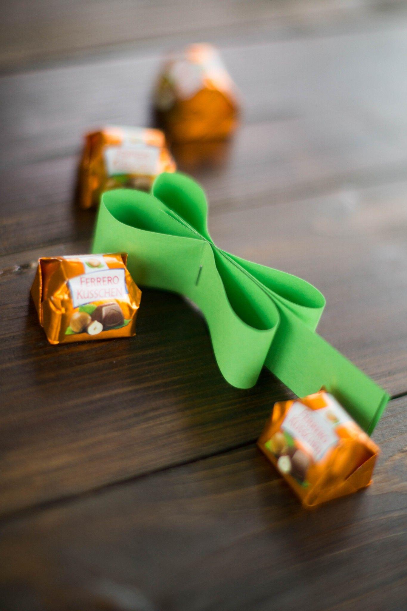 DIY Luck of the Irish - Küsschen-Kleeblatt - Der Schlüssel zum Glück #kleeblattbasteln