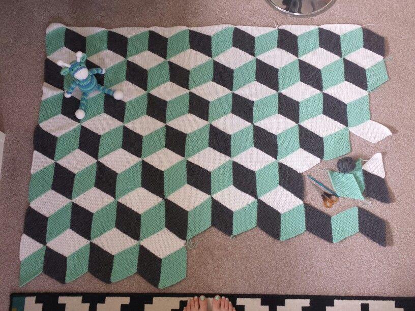 Vasarely geometric crochet mint and grey blanket progress free vasarely geometric crochet mint and grey blanket progress free pattern http dt1010fo