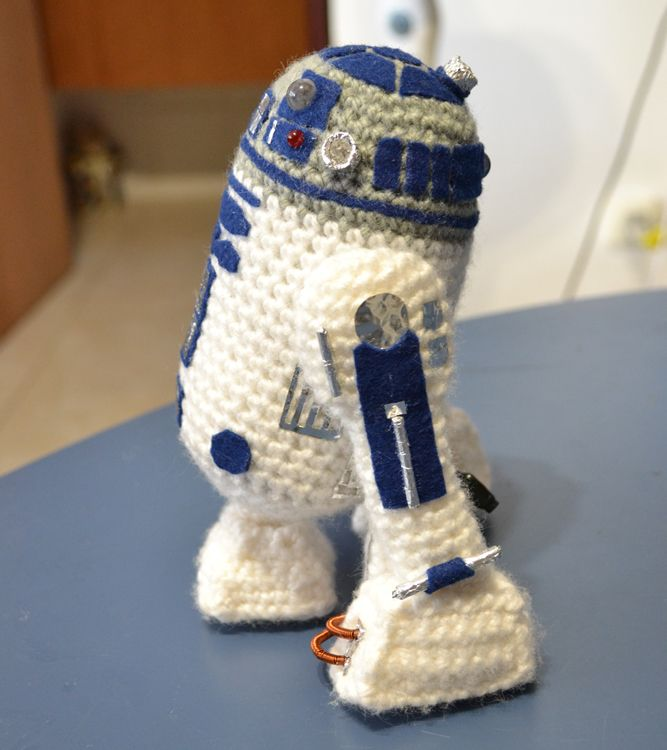 Make It: R2D2 - Free Crochet Pattern #crochet #amigurumi #free ...
